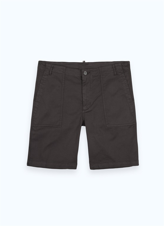 Stretch cotton shorts with large pockets