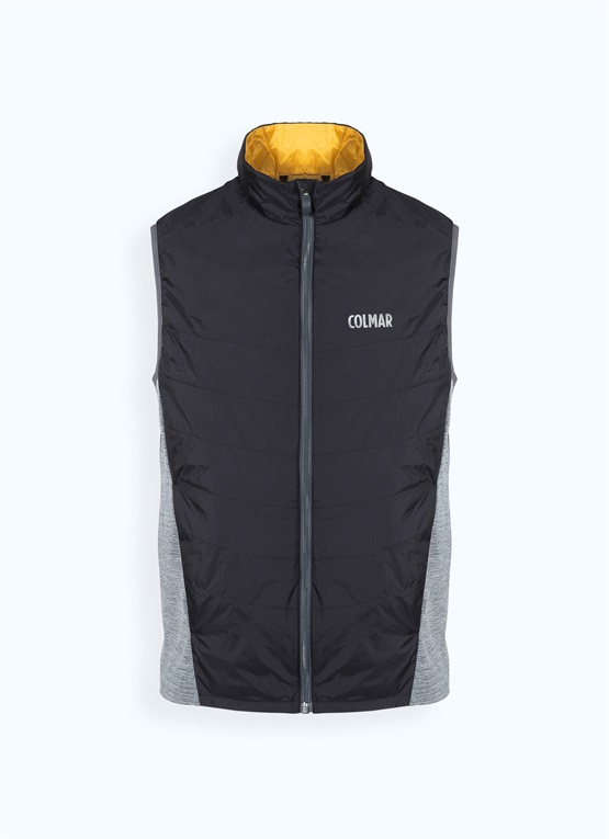 Gilet with softshell sides